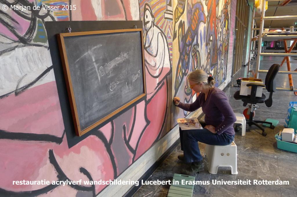 restauratie acrylverf wandschildering Lucebert in Erasmus Universiteit Rotterdam.